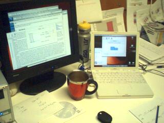 2004-01-26-iBook_dual_head.jpg
