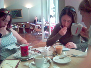 2004-05-28-Cafe.jpg