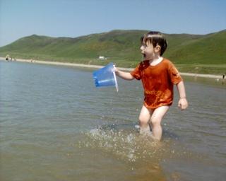 2006-06-17-Bucket Of Sea