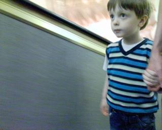 2007-04-11--Escalator