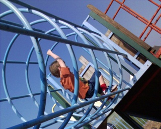 2007-04-29--Climbing Frame