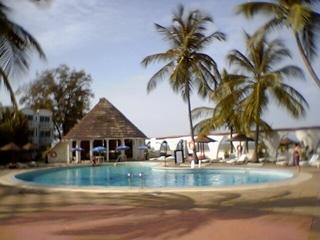 2007-09-28--Poolside